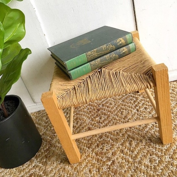 Admirable Woven Wood Stool Bench Creativecarmelina Interior Chair Design Creativecarmelinacom